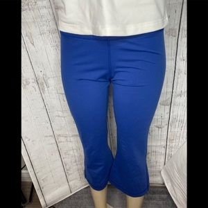 Lululemon Blue capris size medium